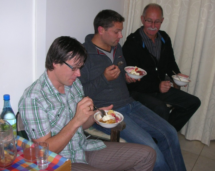 Starters & Puds - Sharing a pud and a chat
